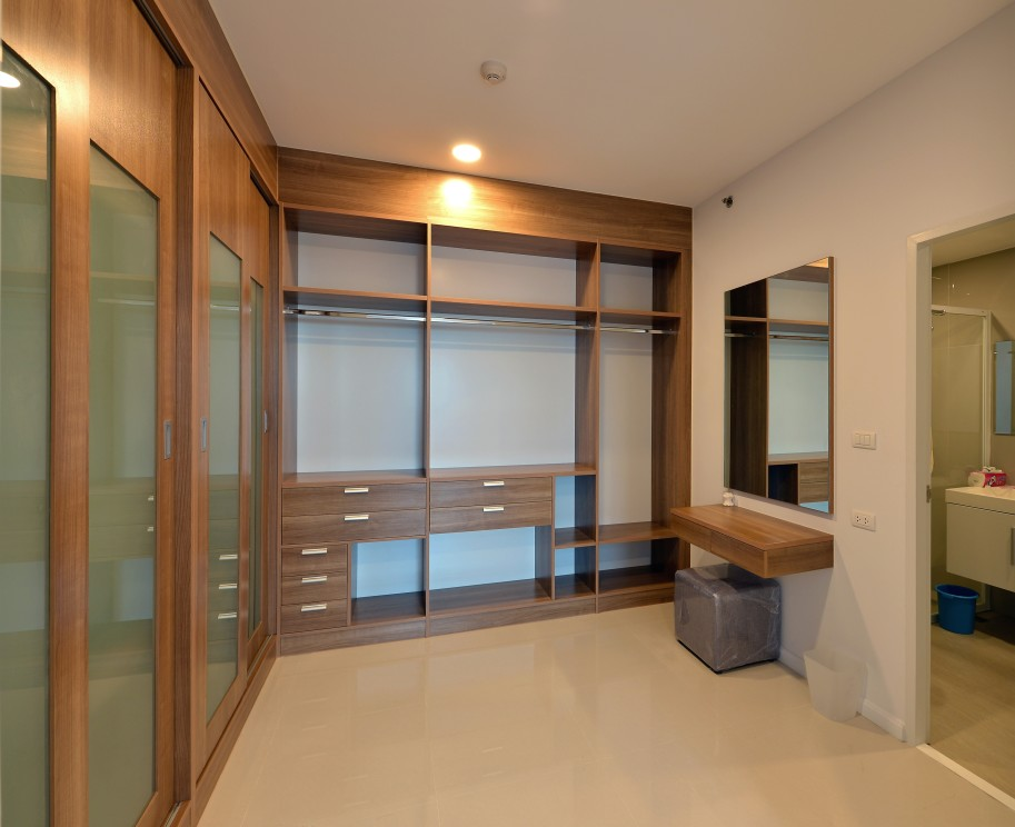 bespoke fit out of walk-in dressing area and wardrobes